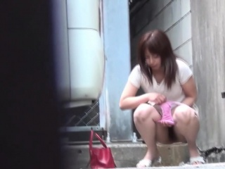 Asian babes candid piss