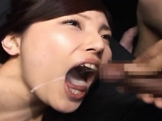 Japan Girl Gets One Cumshots In Her Mouth