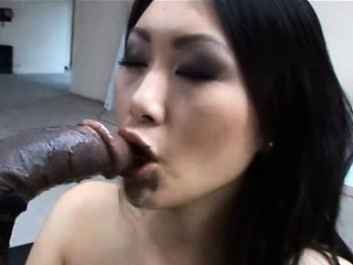 Asian sexy foetus Evelyn Lin takes a huge black cock!