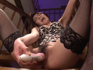 Kei Akanishi finger fucks, sucks cock and enjoys hardcore