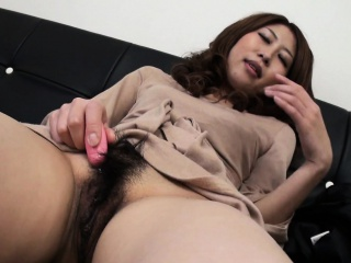 Asian of an overly aroused bitch who wants to cum so cast off