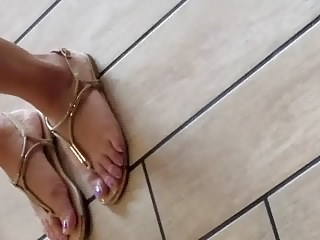 Asian feet at burger bigwig