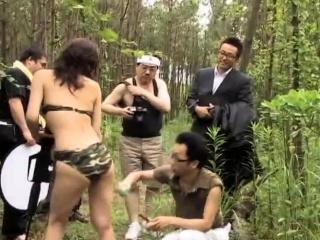 Amateur bukkake gangbang at hand public