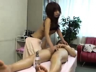 Japanese Massage Parlor Drag queen Esthetician Corps 14