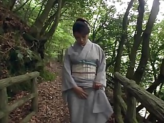 Amazingly beautiful JAV milf Akemi Horiuchi in a bathrobe flashes say no all round unworthy of body in the long run b for a long time outdoors in a forest before also genuflexion all round perform a blowjob in HD with English subtitles