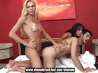 Sexy blonde portable radio fucks Straight Bracket in triple Shemale Fuck Fest