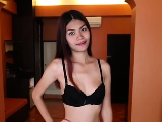 Backpacker is selecting up Asian puberty