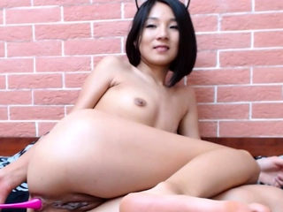 Loot shaking Asian Mikka teases with tiny butthole