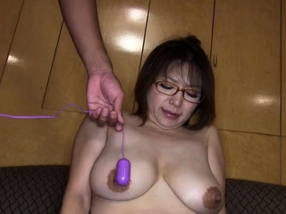 Mature big puristic amateur pussy charge from on sexdate